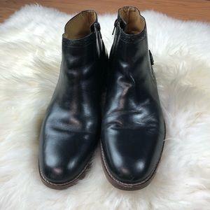 Men's 9 Johnston & Murphy chukka boot